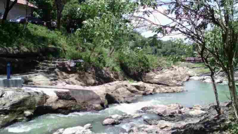 Lava bantal: wisata alam murah di Berbah