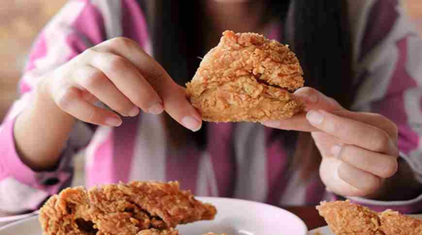 risiko depresi menjadi salah satu efek samping dari rutin konsumsi makanan cepat saji